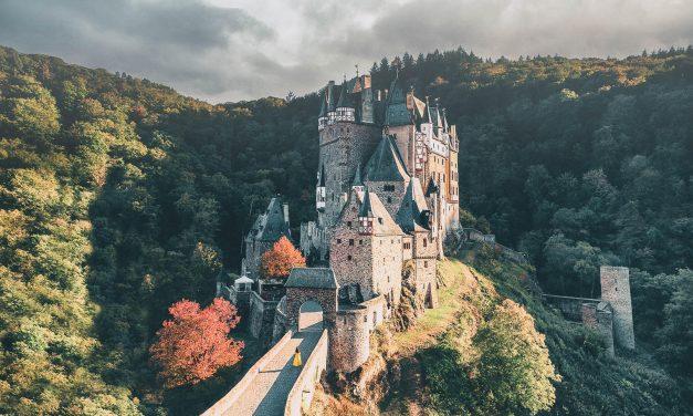 Visit Burg Eltz Castle! A Masterpiece Frozen in Time